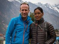 06 +£bergabe Spende an Kamphuti Sherpa aus Bubsha