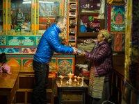 20 +£bergabe Spende an die Mutter von Chhring Sherpa in Khumjung