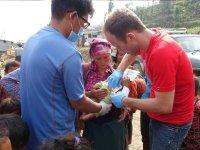 Behandlung_kind_nepal